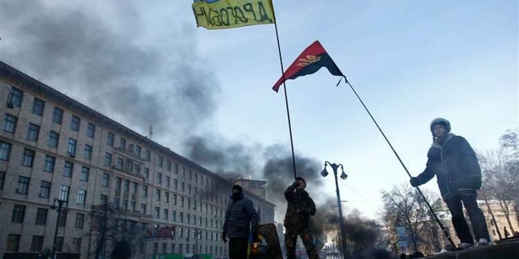 L'opposition refuse le compromis de la présidence en Ukraine