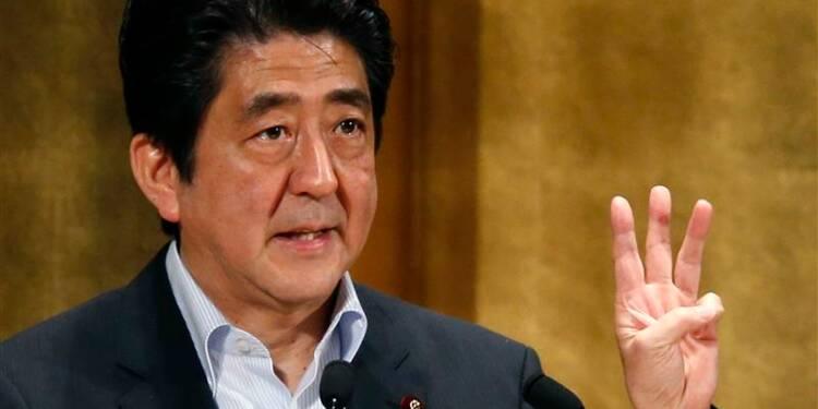 Shinzo Abe veut augmenter les revenus pour doper la croissance