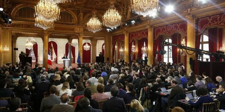 Hollande jugé pédagogue et offensif, sans changement sur le fond