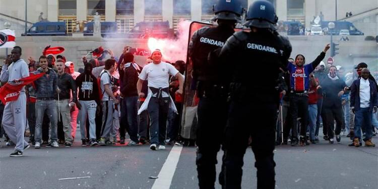 Des incidents ternissent le sacre du PSG à Paris