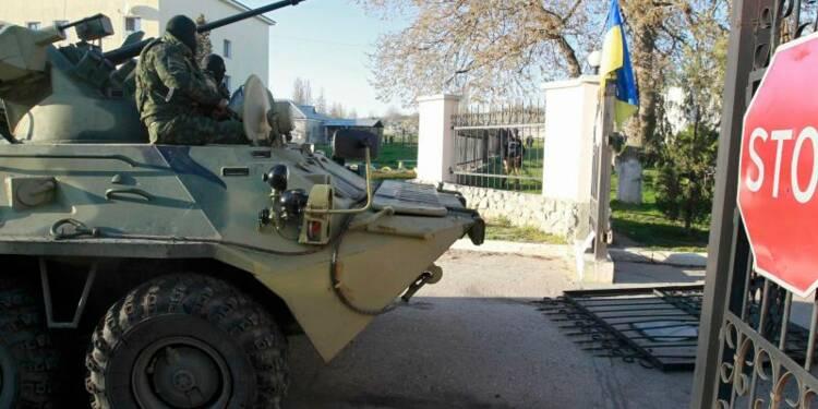 Les forces russes entrent dans la base de Belbek en Crimée