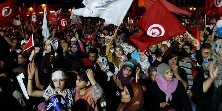 La police tue un islamiste dans une Tunisie en crise