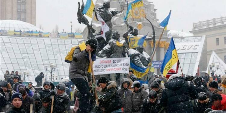 La police ukrainienne quitte les sites de contestation à Kiev