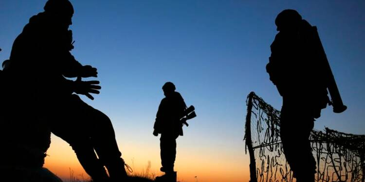Les forces russes à l'est de l'Ukraine inquiètent l'Otan