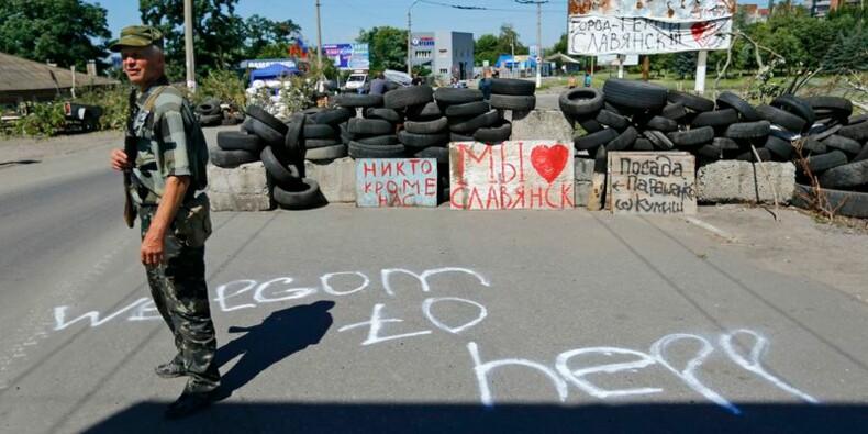 L'armée ukrainienne bombarde des positions rebelles dans l'est