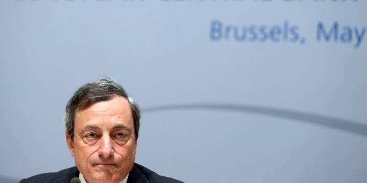 Il ne faut pas menacer l'indépendance de la BCE, avertit Draghi