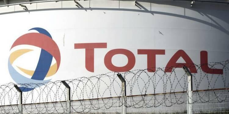 Grève reconduite jusqu'à jeudi dans trois raffineries Total