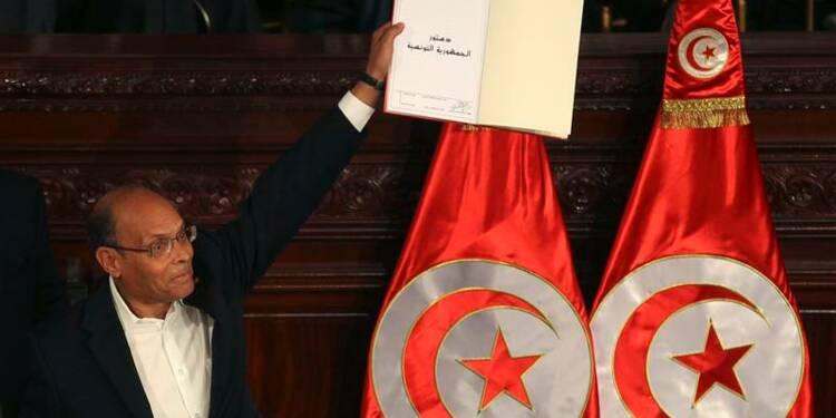 La nouvelle Constitution adoptée en Tunisie