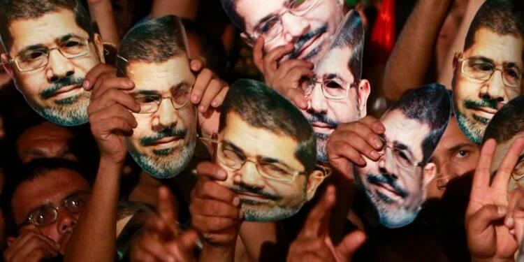 Mohamed Morsi visé par une enquête criminelle en Egypte
