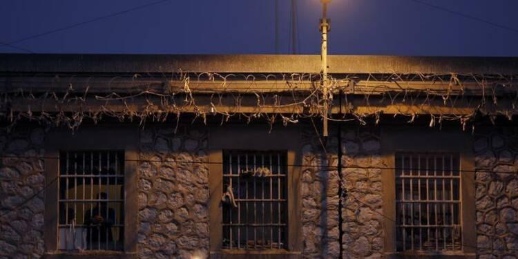 Un détenu prend un membre de la direction des Baumettes en otage