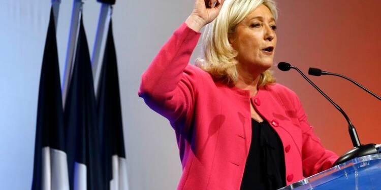 """Européennes: Marine Le Pen demande d'utiliser """"l'arme"""" du vote"""