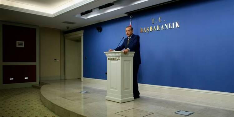 """L'opposition turque évoque un """"Etat parallèle"""""""