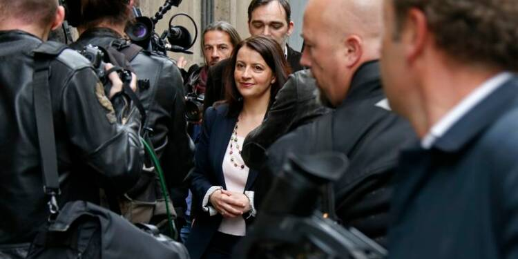 Pour Duflot, Hollande change la forme mais pas le fond