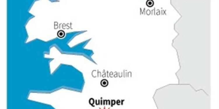 Sept parents juchés sur la cathédrale de Quimper