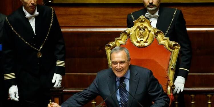 Monti en poste jusqu'à la formation d'un gouvernement en Italie