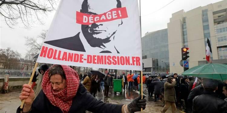 17.000 personnes défilent contre la politique de Hollande