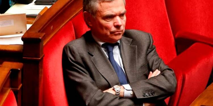 """Bernard Accoyer juge le gouvernement """"malade de son amateurisme"""""""