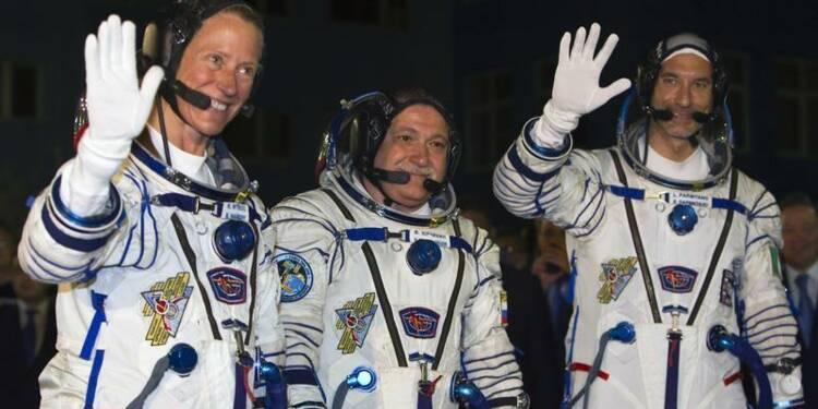 Un Russe, un Italien et une Américaine en route vers l'ISS