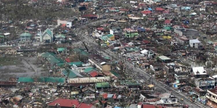 Le typhon Haiyan aurait fait 10.000 morts aux Philippines