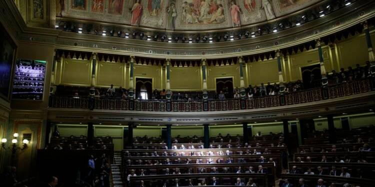 Les députés espagnols approuvent la loi de succession du roi