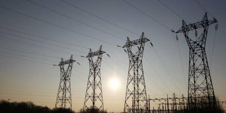 Plus de 130.000 foyers sans électricité dimanche matin