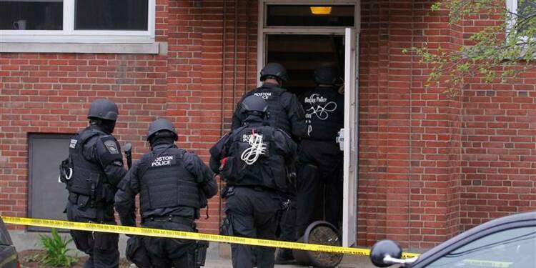 Un suspect de l'attentat de Boston mort, l'autre en fuite-police