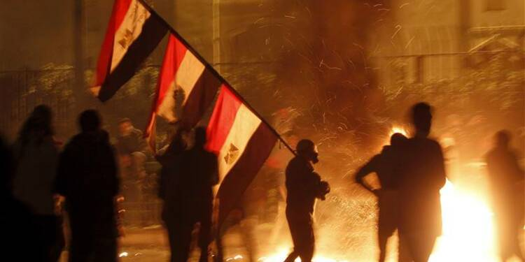 L'armée égyptienne se déploie dans Suez après des affrontements