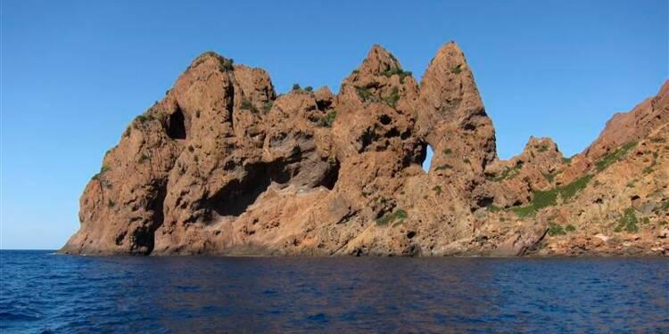 Une nappe d'hydrocarbures repérée au large de la Corse
