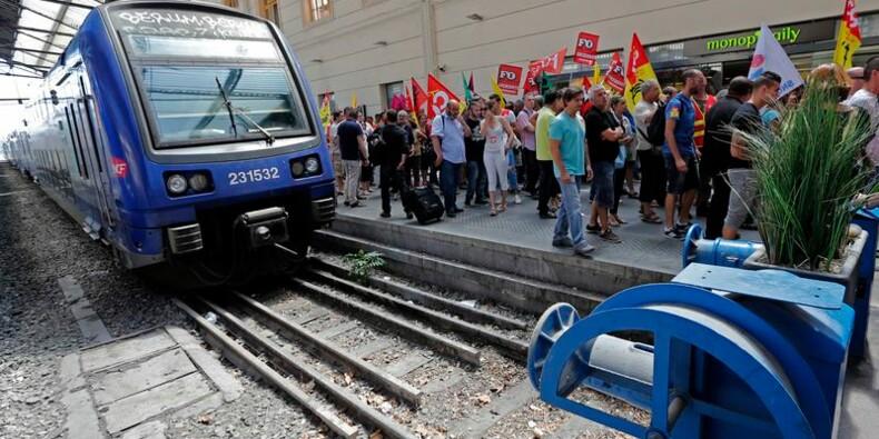 La grève à la SNCF reconduite malgré les concessions