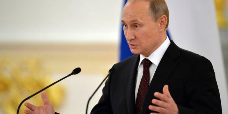 Vladimir Poutine critique durement Hillary Clinton