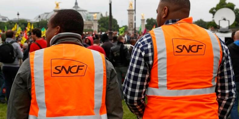 La réforme de la SNCF à l'Assemblée malgré la grève