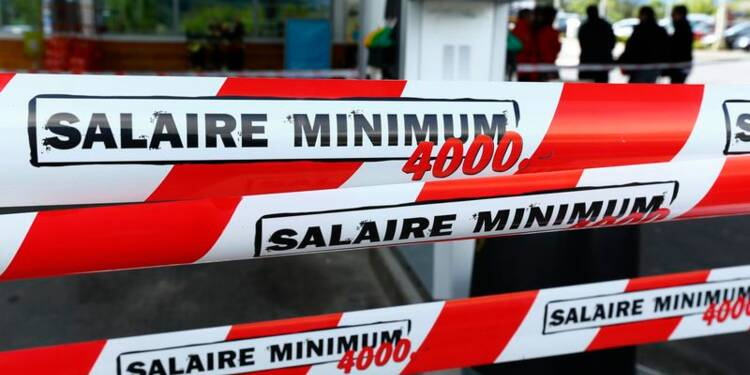 Les Suisses rejettent le salaire minimum