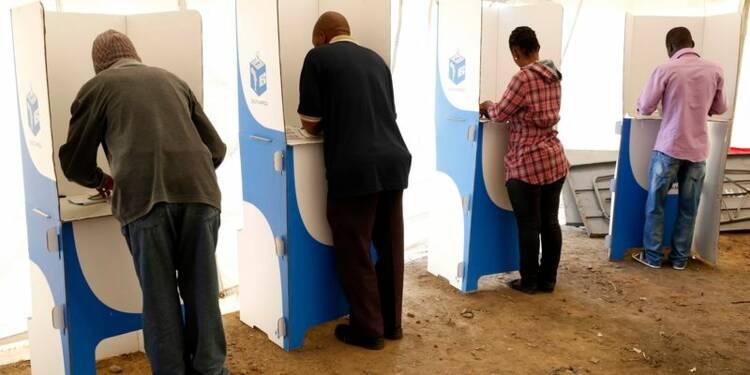 L'ANC remporte les législatives en Afrique du Sud avec 62%