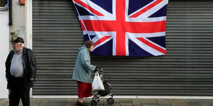 "Fitch prive à son tour la Grande-Bretagne de son ""triple A"""