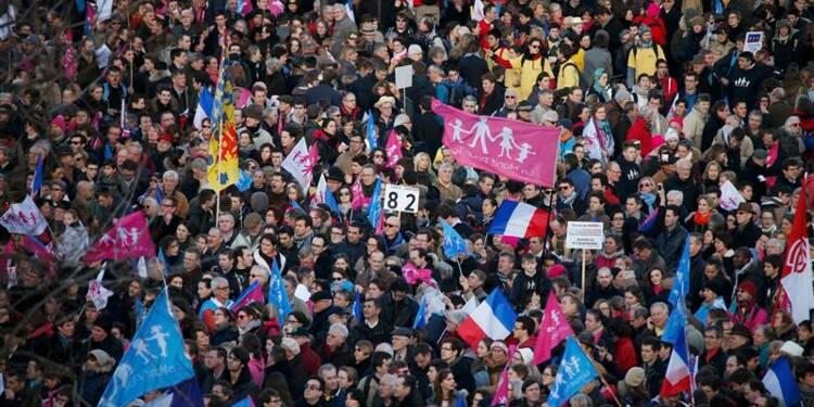 """Manuels Valls voit l'émergence d'un """"tea party à la française"""""""