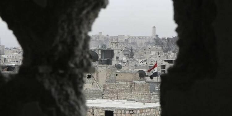 Souad Merah est vraisemblablement en Syrie, selon Cazeneuve