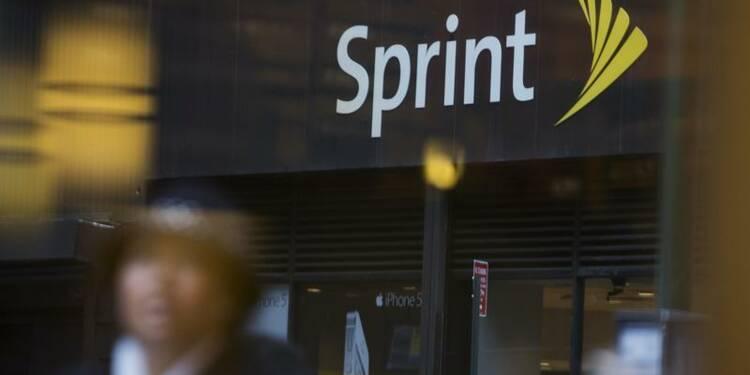 Sprint réduit sa perte au 4e trimestre, hausse des abonnés