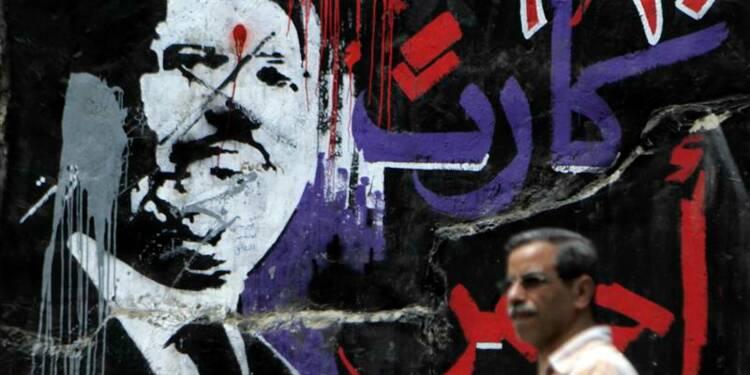 Morsi renvoyé en justice, la Constitution égyptienne progresse