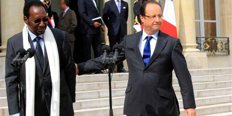 La France pousse le Mali à un accord avec les Touaregs