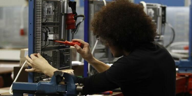 La barre des 70.000 emplois d'avenir franchie, dit Michel Sapin