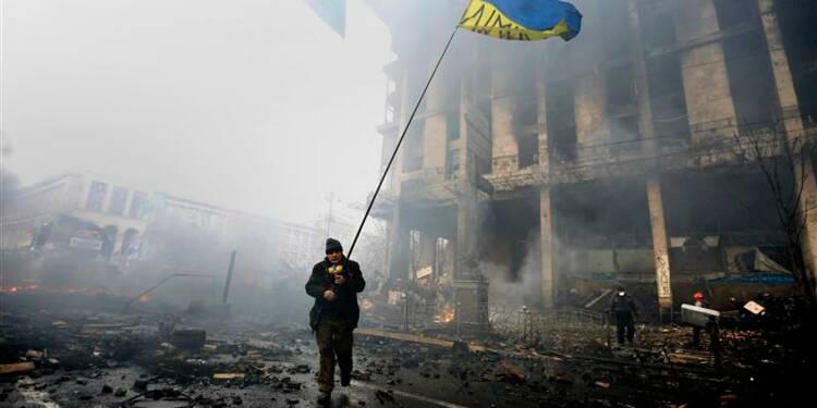 Trêve  en Ukraine, où des ministres de l'UE sont attendus