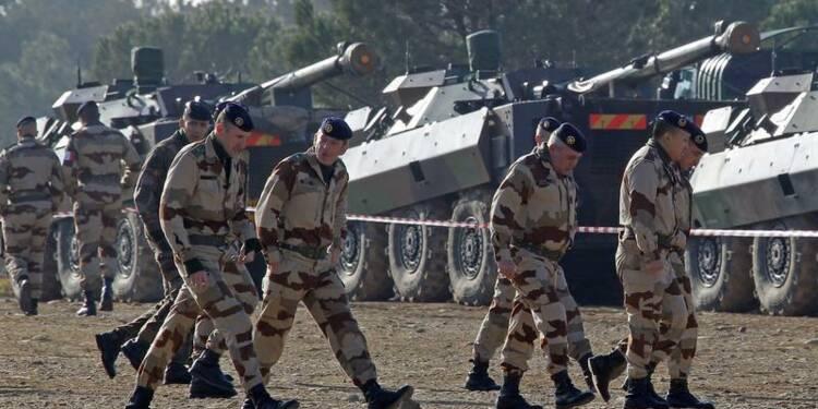 Jean-Marc Ayrault écarte le scénario du pire pour la Défense