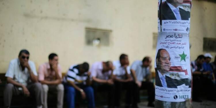 Attentat à la bombe à l'ouverture d'un bureau de vote en Egypte