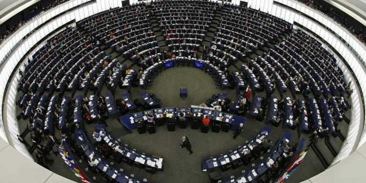 Les centres équestres manifestent devant le Parlement européen
