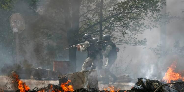 Les pro-russes prennent le siège de la SBU à Slaviansk