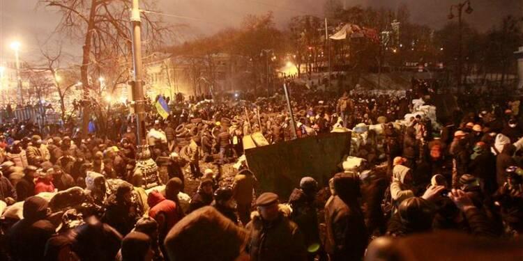 A Kiev, les manifestants décident une trêve de quelques heures