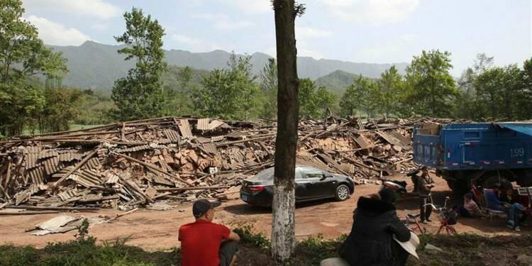 Au moins 56 morts et 600 blessés après un séisme en Chine