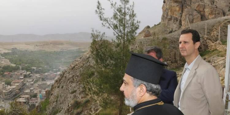 Assad en déplacement dans une ville chrétienne pour Pâques