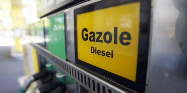 """Une hausse des taxes sur le diesel jugée """"incontournable"""" par Batho"""