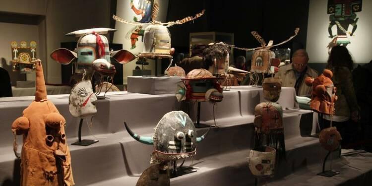 Une vente de masques tribaux améridiens autorisée à Paris